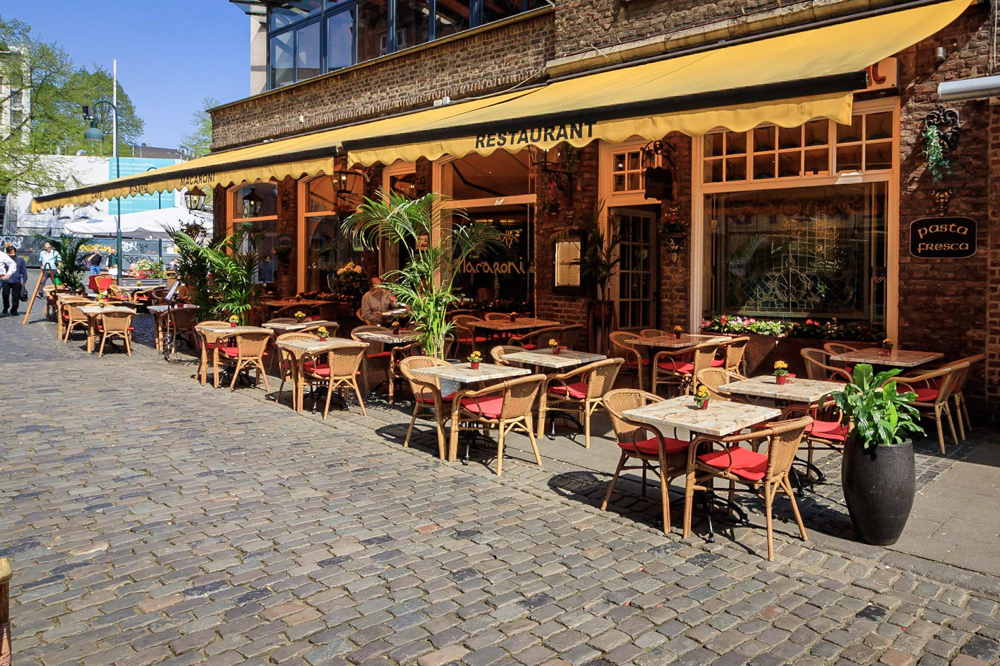 italienisches restaurant macaroni aachen caf bistro bar. Black Bedroom Furniture Sets. Home Design Ideas